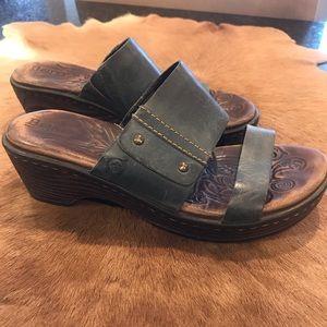 Born Daylin in  Blue Slip on Mule Size 6